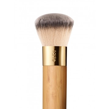 Кисть Tarte The Buffer™ Airbrush Finish Bamboo Foundation Brush