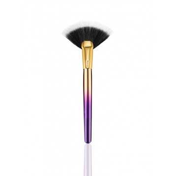 Кисть для хайлайтера Tarte Rainforest of the Sea™ Highlighting Fan Brush